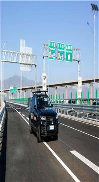 北京发自动驾驶路测报告 百度等8家企业获牌